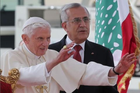 Pope says arms import to Syria a 'grave sin'