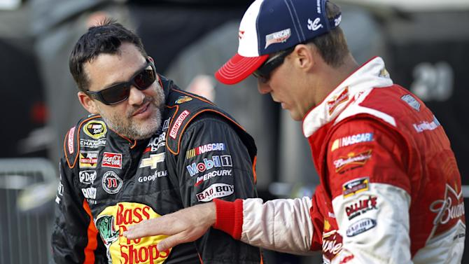 Tony Stewart skips 3rd race after Ward's death