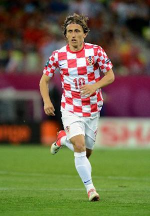 Luka Modric will undergo an medical at Real Madrid