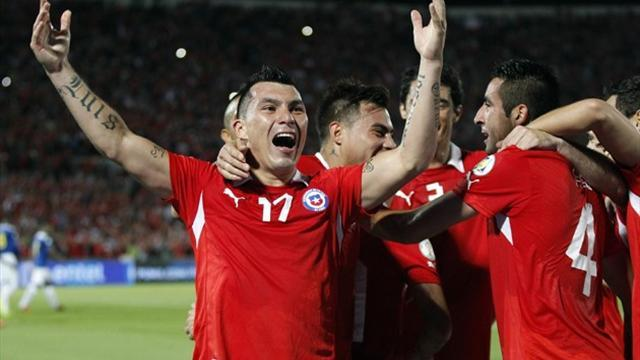 World Cup - Chile, Ecuador qualify, Uruguay go into play-off
