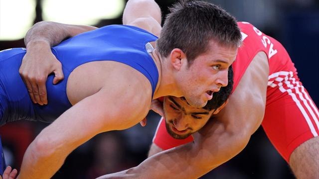 Wrestling - Wrestling pledges changes but running out of time