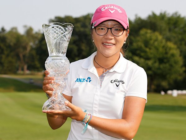 Lydia Ko with trophy