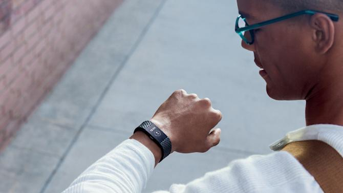 Weekly Rewind: Watch Netflix offline, Fitbit to buy Pebble, a smart duvet cover