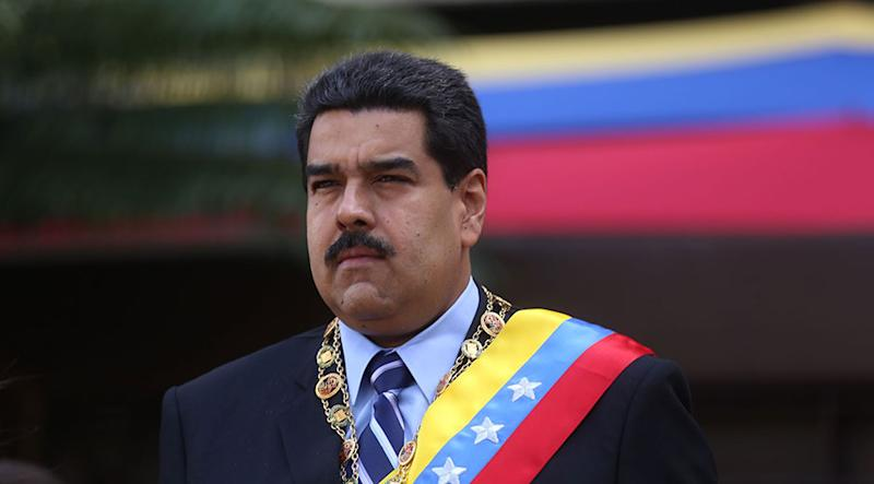 Bond oggi: Maduro gioca duro e punta alle Petroemissioni
