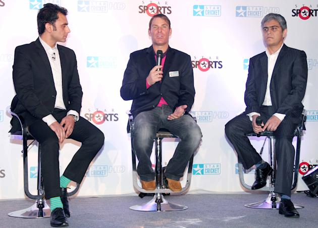 Shane Warne joins the broadcast team for the India-England Test series_9