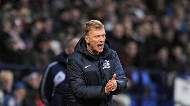 Football - Moyes: Lack of options may hamper us