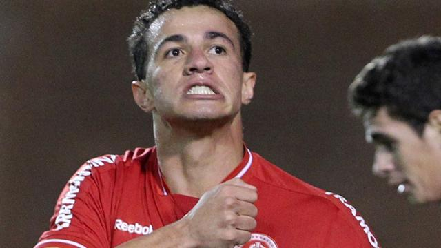 South American Football - Former Tottenham target Damiao joins Santos