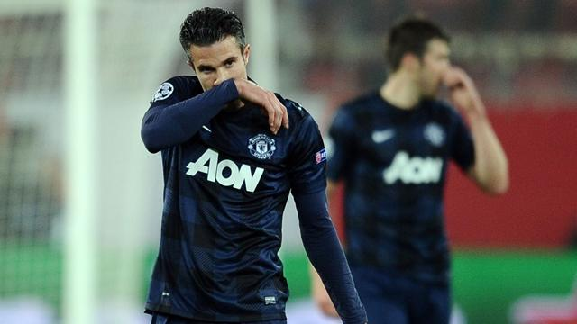 Champions League - Van Persie describes United's season as 'lousy'