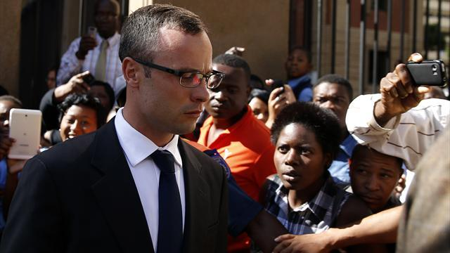Pistorius case - Steenkamp told Pistorius in text message: 'I'm scared of you'