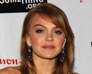 Pilot News: Friday Night Lights Vet Aimee Teegarden Breathes In Oxygen at The CW