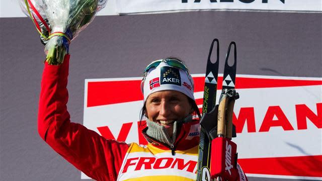 Cross-Country Skiing - Bjoergen makes it three in Kuusamo