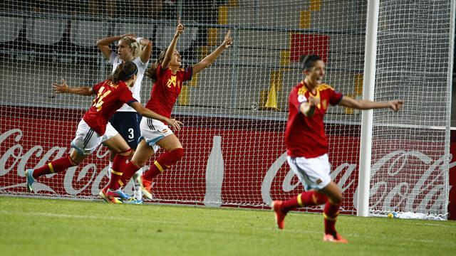 Women's Euro - Goalkeeping howler gifts Spain last-gasp win over England