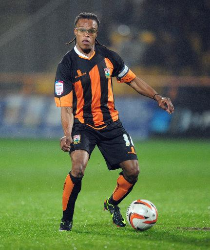 Edgar Davids inspired his side as he made his Barnet debut