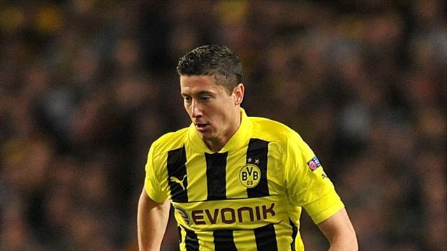 Premier League - Ferguson hints at Lewandowski interest