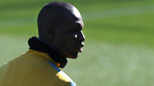 Liga - Abidal continues recovery with Barcelona training match