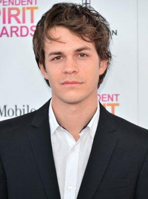 'Perks of Being a Wallflower' Actor to Co-Star in CW's 'Blink'