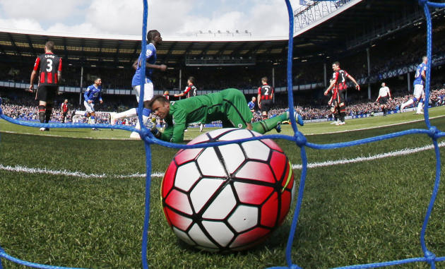 Bournemouth'S Artur Boruc looks dejected after Everton's Tom Cleverley scores their first goal