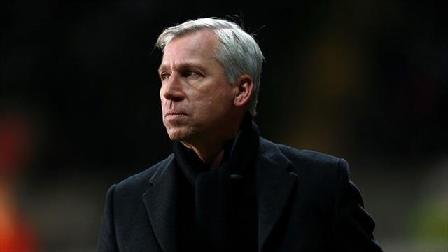Premier League - Managers: Pardew says fans frustration 'boiling over'