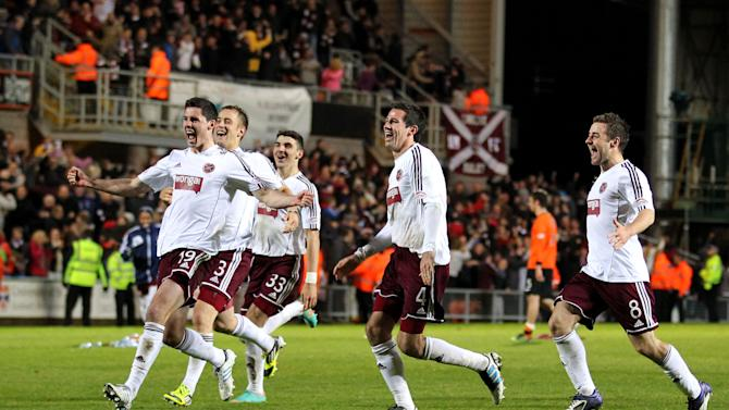 Dylan McGowan, left, believes his team-mates need to repay the Hearts faithful