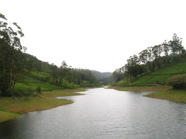 The High Wavys Dam nestling in between the mountains.