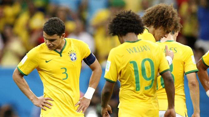 World Cup - Sad Brazil players apologise to fans after another heavy loss