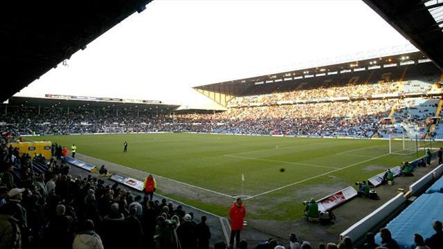 Championship - Leeds deny alcohol-ban reports