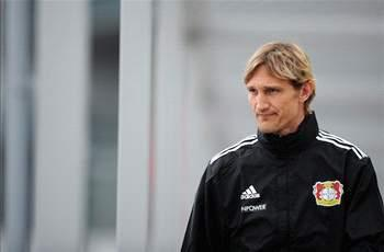 Leverkusen players will not be in awe of Manchester United, says Hyypia