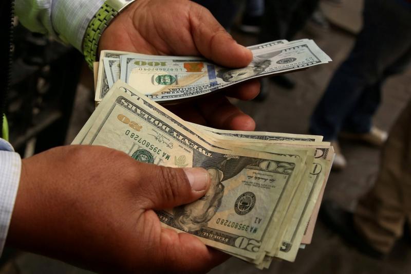Advierten sobre los riesgos y desafíos que deja la devaluación (es-us.finanzas.yahoo.com)