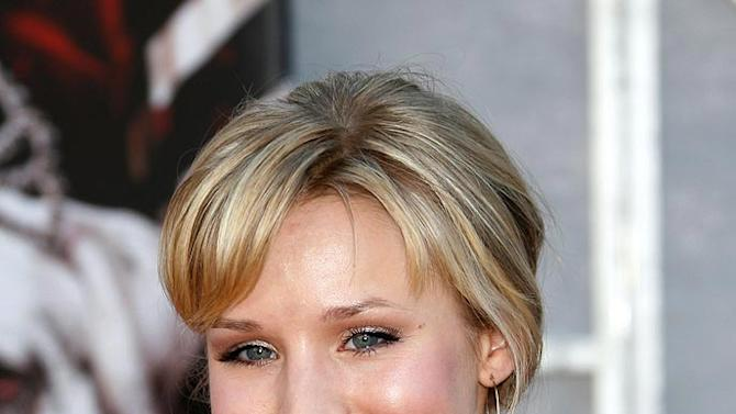 "Kristen Bell arrives at the ""The Game Plan"" premiere."