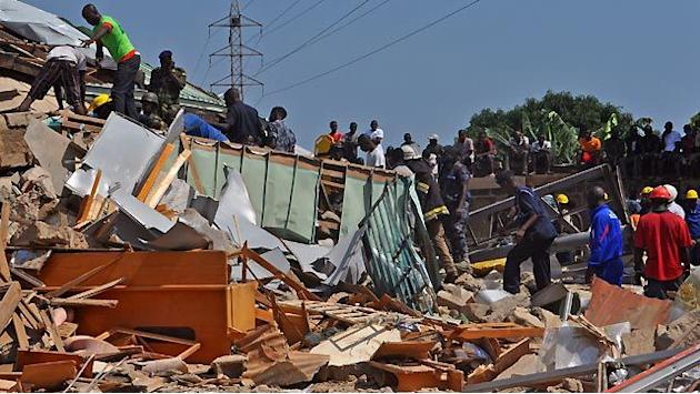 Around the World: 6-story shopping center collapses in Ghana