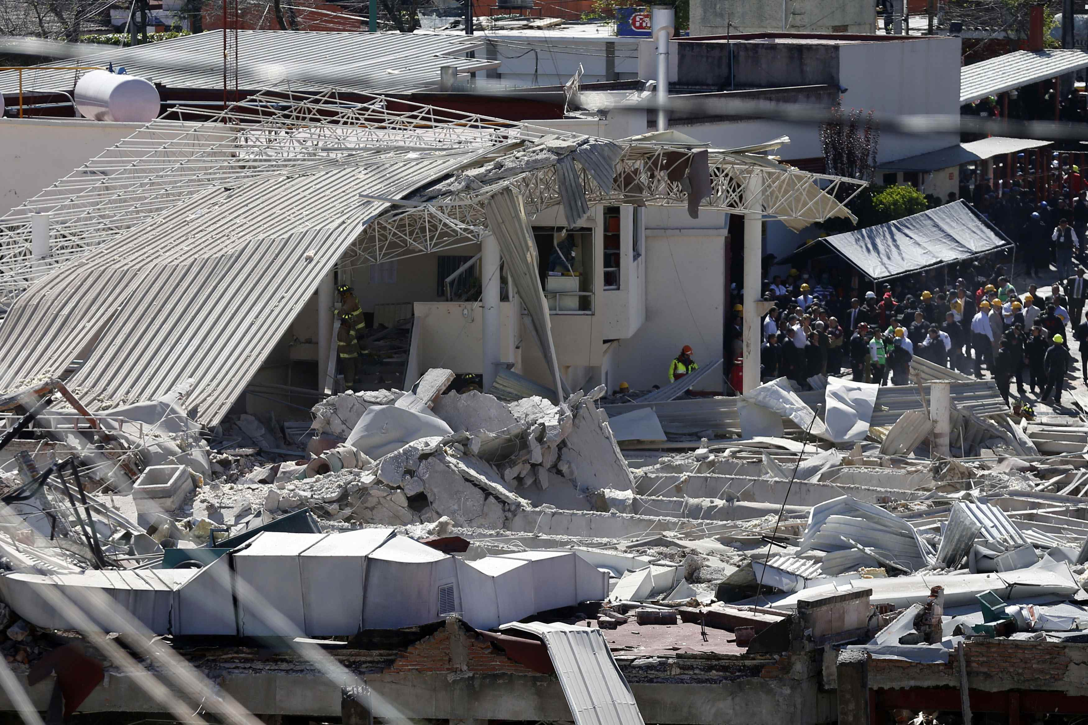 Gas blast at Mexico children's hospital, at least 2 dead