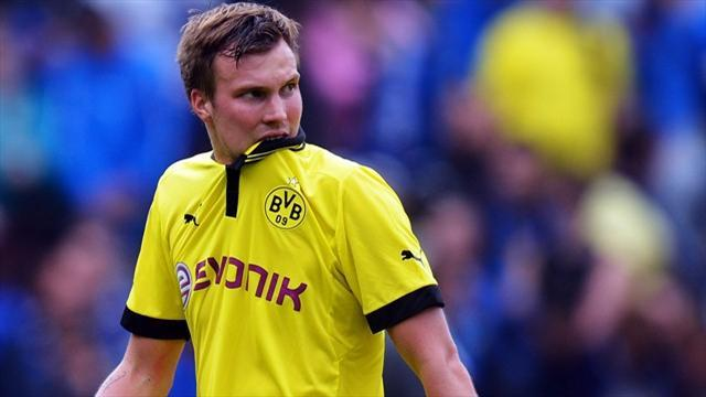 Bundesliga - Dortmund midfielder Grosskreutz extends contract