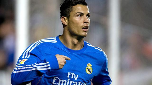 Liga - Maradona: Ronaldo should win Ballon d'Or, not Messi