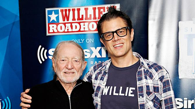 Willie Nelson, Johnny Knoxville