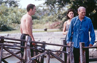 Dermot Mulroney , Linda Fiorentino and Paul Newman in USA Films' Where The Money Is