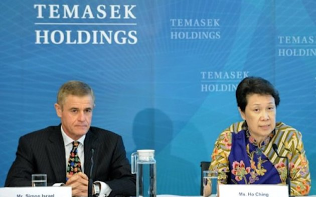 PM Lee has demanded that a TREmeritus commentary on Ho Ching's appointment as head of Temasek Holdings be taken down and that an apology be carried prominently on the website. (Photo: AFP)