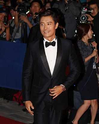 Lee Byung-hun named Star of the Year