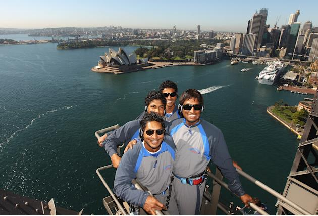 Sri Lanka Cricketers Climb Sydney Harbour Bridge