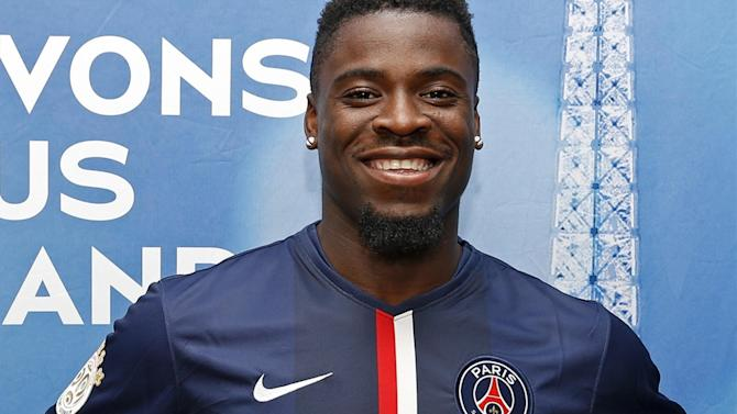 Champions League - PSG's Aurier says sorry to Champions League referee