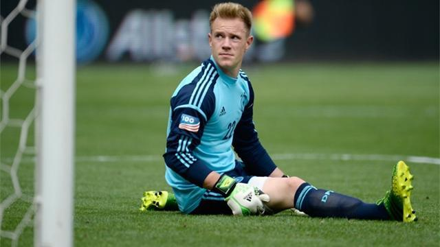 Bundesliga - Ter Stegen laughs off Barcelona reports