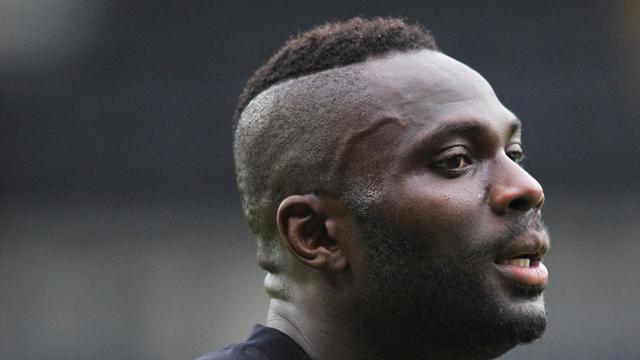 League One - Zoko pens new Stevenage deal