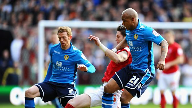 Nottingham Forest v Leeds United - npower Championship