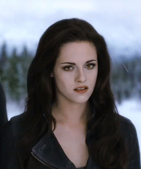 Kristen Stewart's Goth-Glam Breaking Dawn Part 2 Look: See The Pics