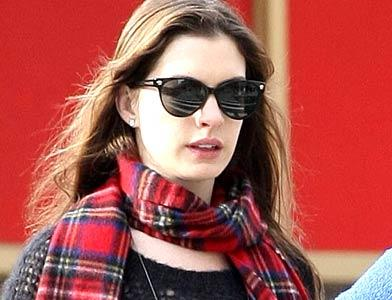 pst Anne Hathaway In Park
