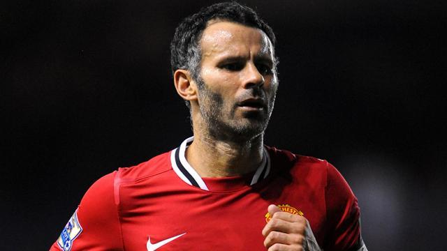 Premier League - Giggs to decide on United deal at end of season