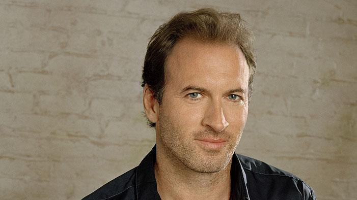 Scott Patterson stars as Luke Danes in Gilmore Girls on The CW.