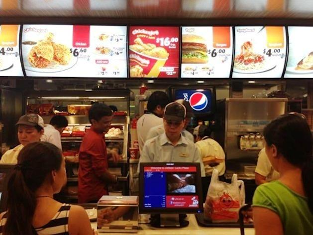 As Jollibee opens its doors to Singapore, its citizens need to examine where the hatred from strong-worded comments comes from (Makansutra photo)