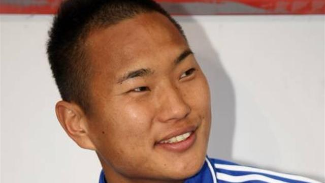 World Football - North Korean forward heads to South Korea