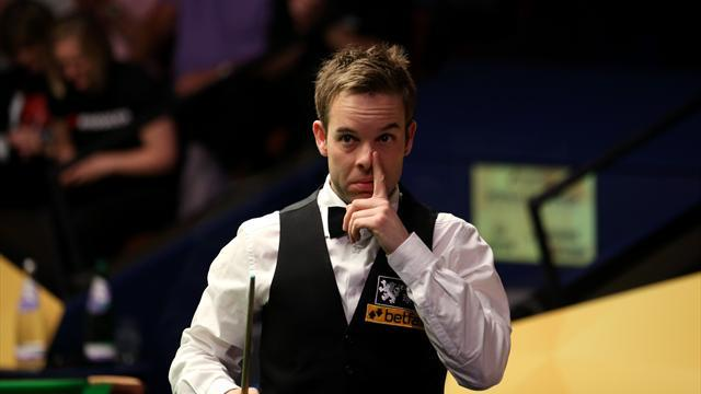 Snooker - Carter makes winning comeback after cancer battle
