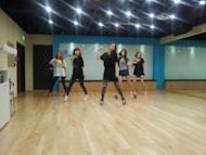 So Hee discloses a photo of Wonder Girls in the middle of rehearsal